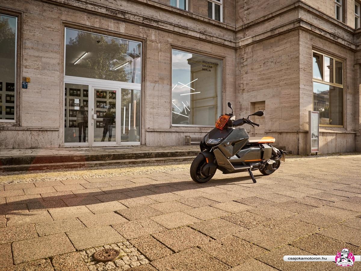 BMW CE 04-elektromos-robogo-2021-4