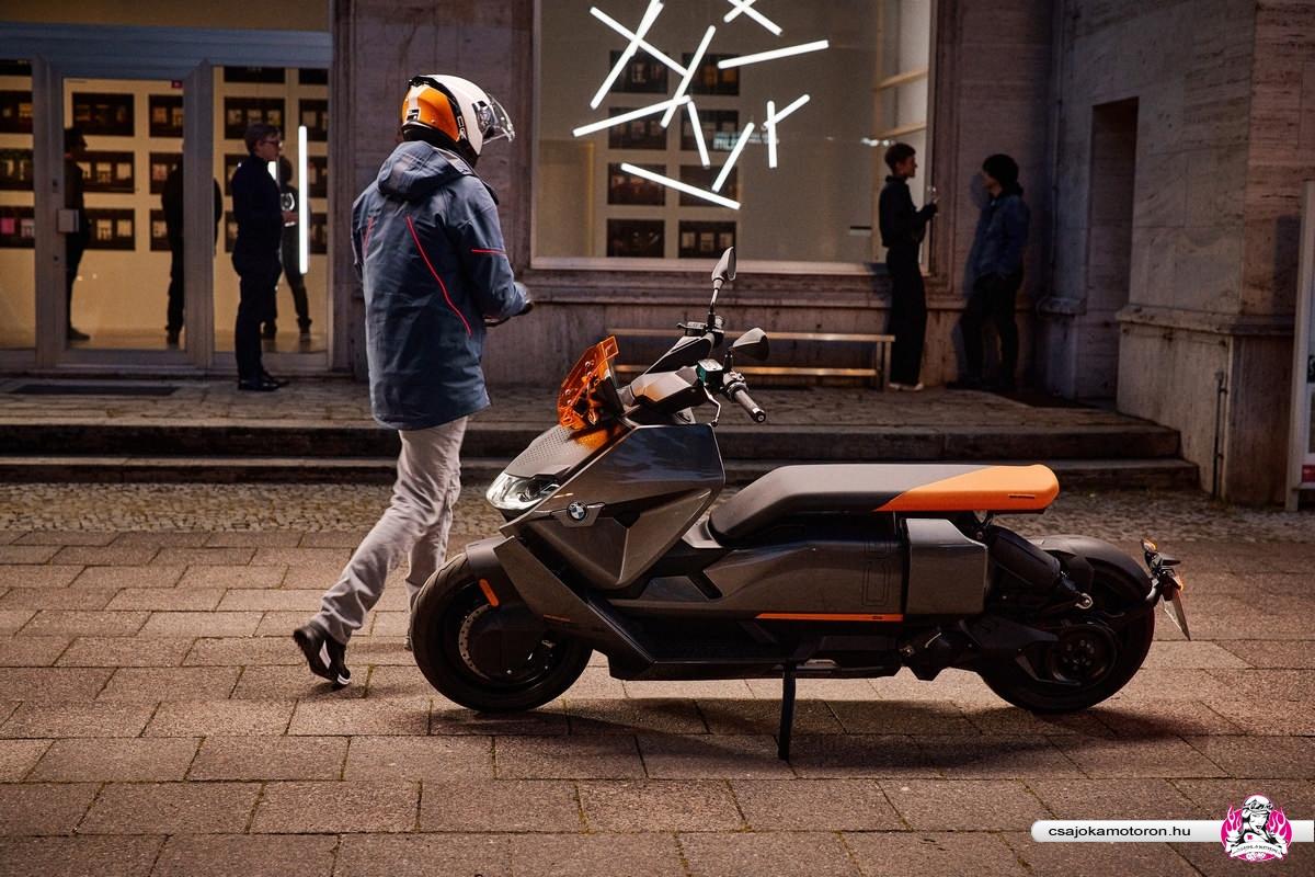 BMW CE 04-elektromos-robogo-2021-8