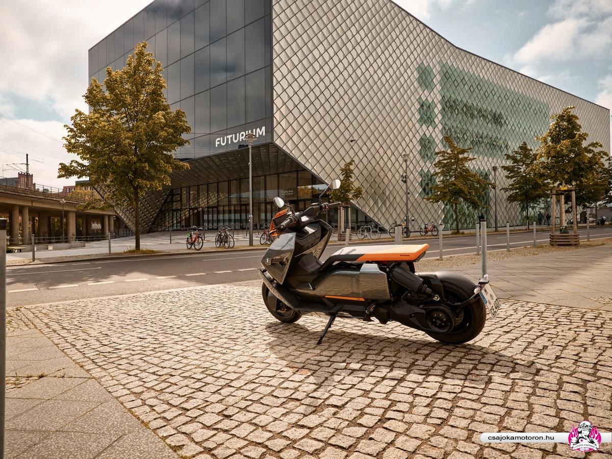 BMW CE 04-elektromos-robogo-2021-14