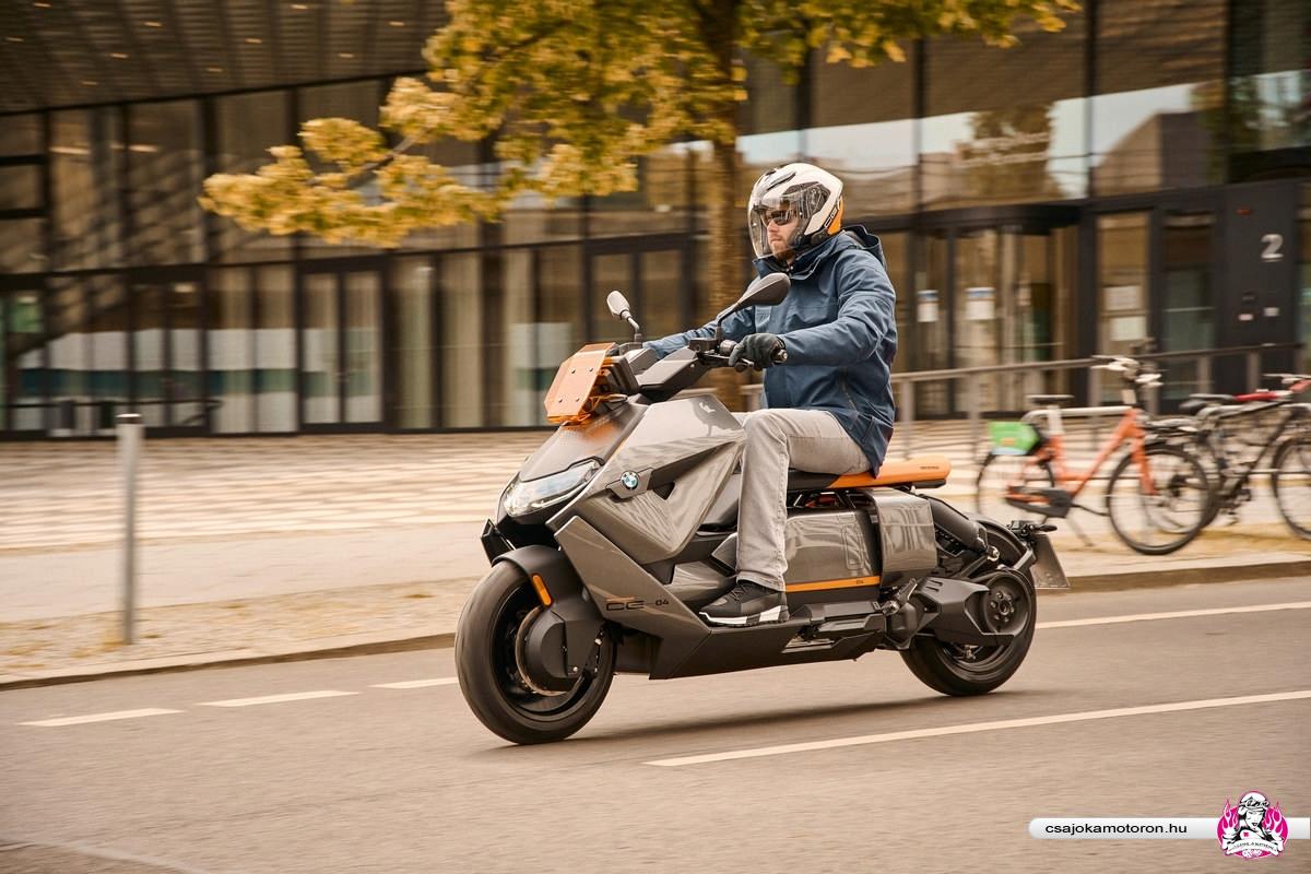 BMW CE 04-elektromos-robogo-2021-16
