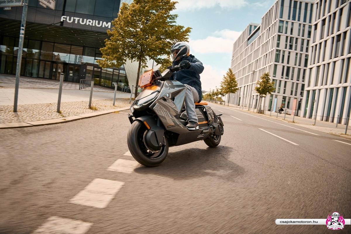 BMW CE 04-elektromos-robogo-2021-18