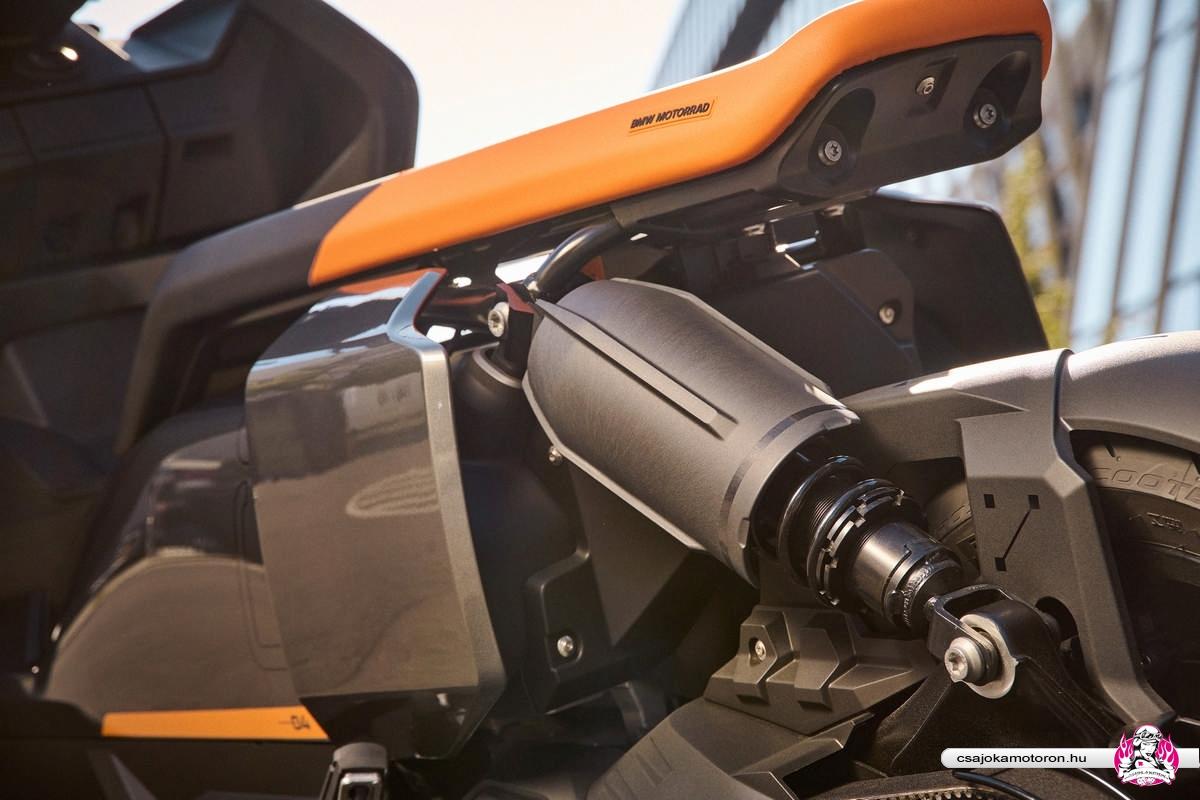 BMW CE 04-elektromos-robogo-2021-28