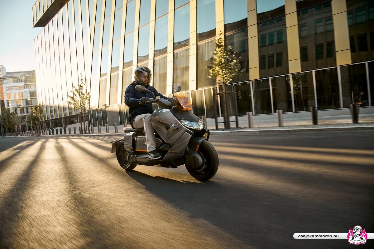 BMW CE 04-elektromos-robogo-2021-29