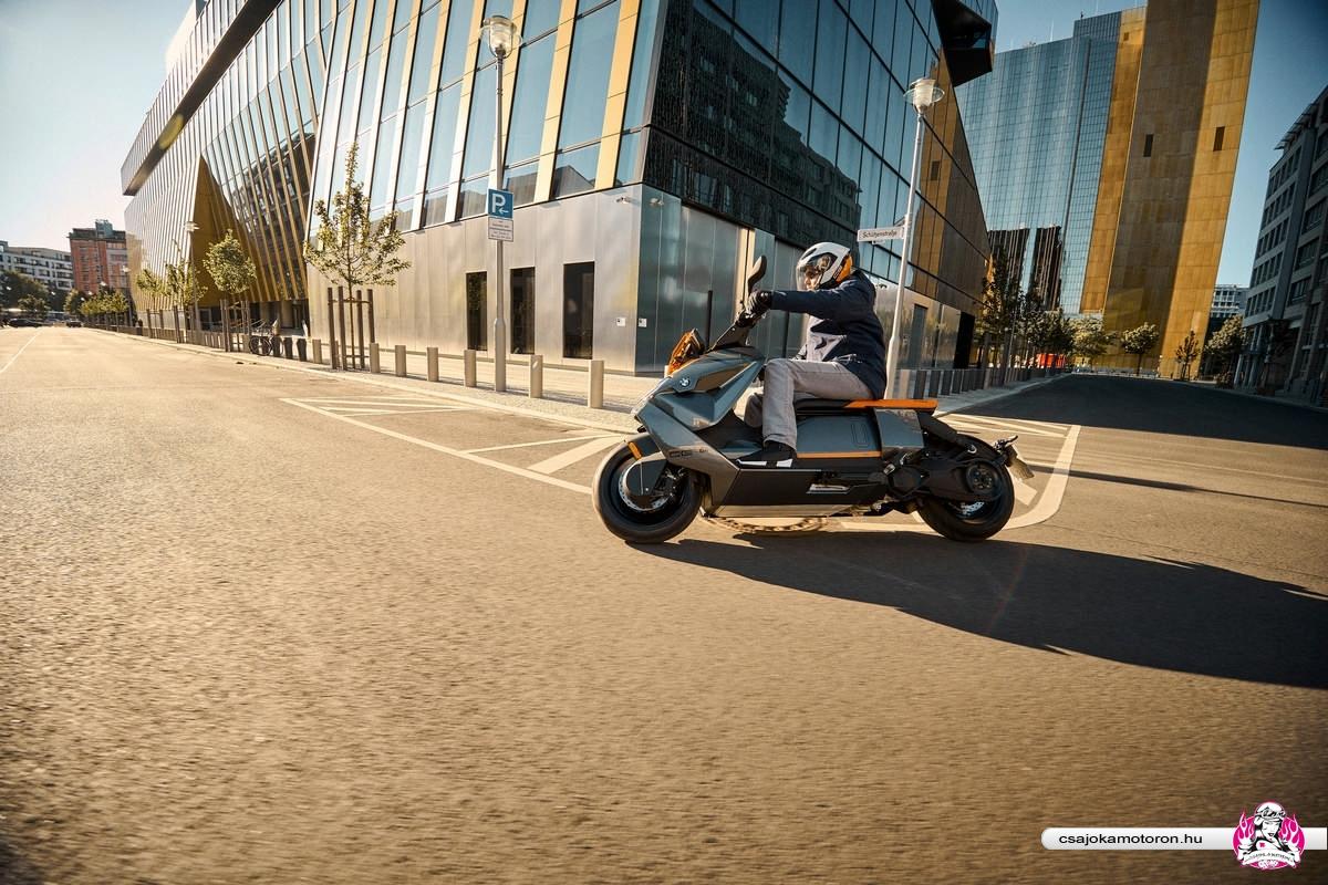 BMW CE 04-elektromos-robogo-2021-30