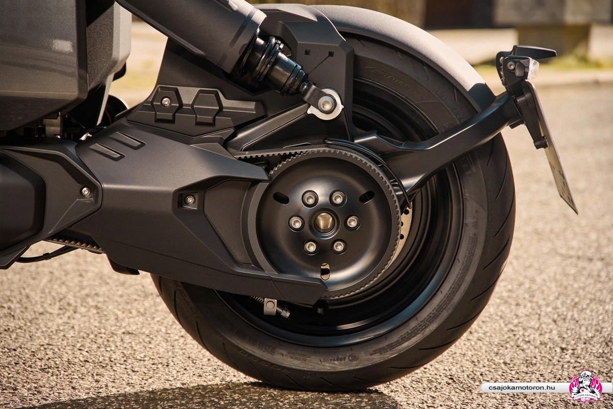 BMW CE 04-elektromos-robogo-2021-32