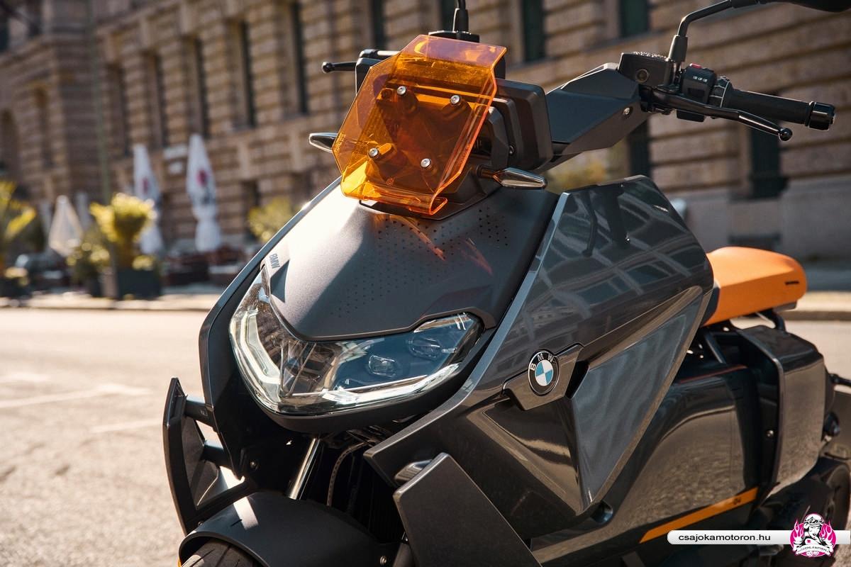 BMW CE 04-elektromos-robogo-2021-33