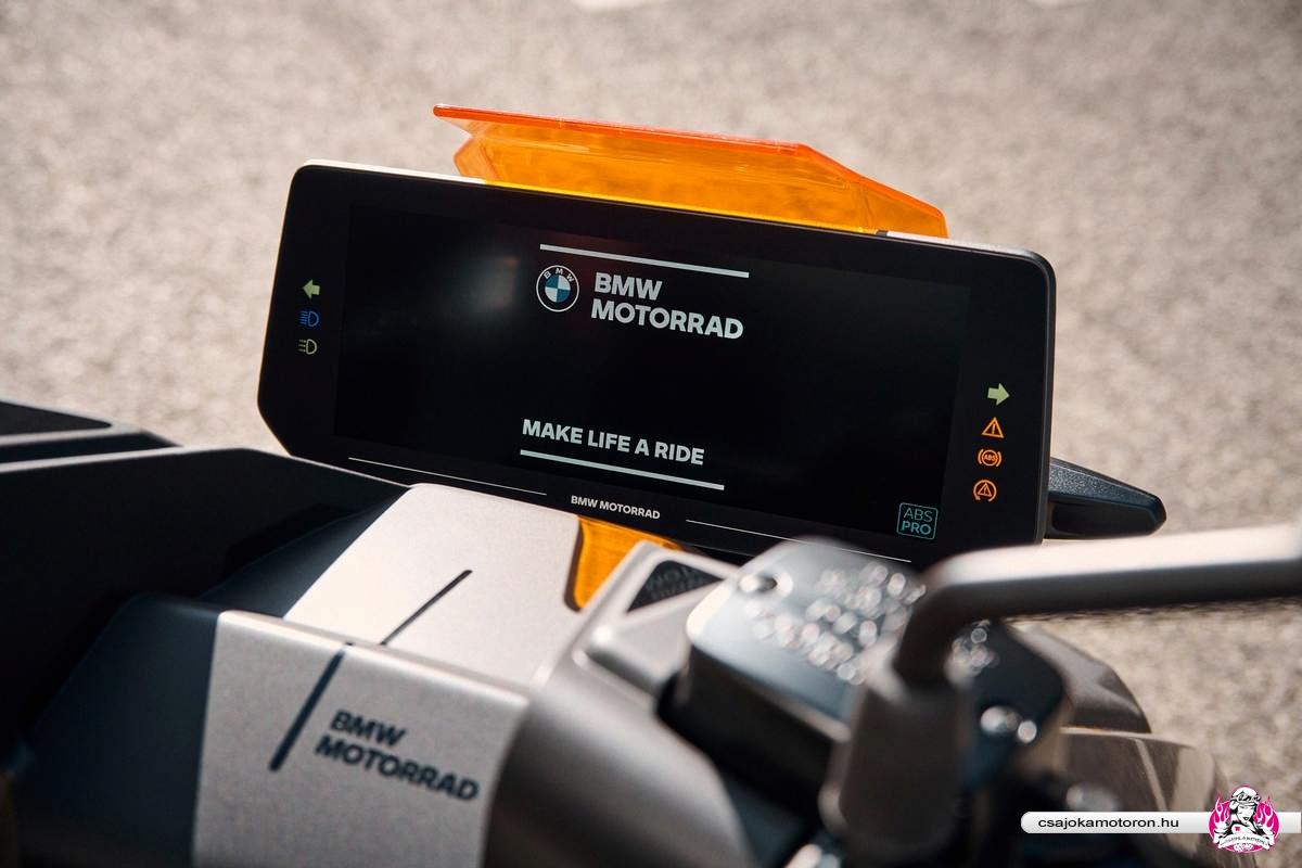 BMW CE 04-elektromos-robogo-2021-34