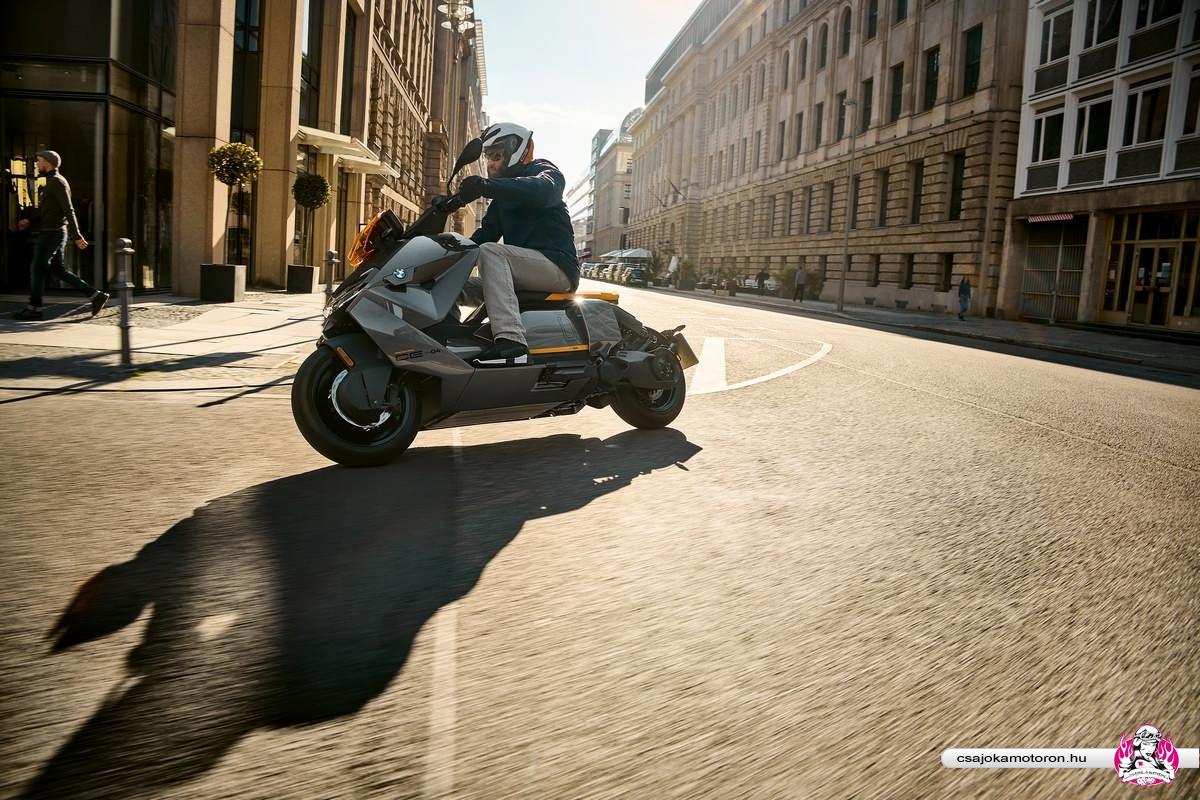 BMW CE 04-elektromos-robogo-2021-35