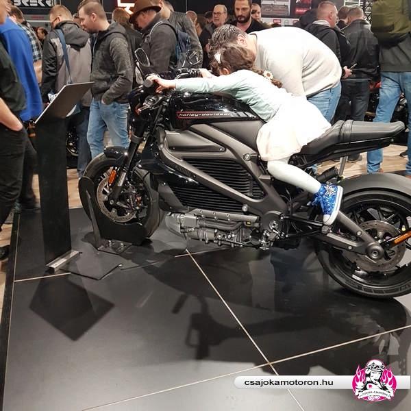 motorbeurs-utrecht-2020-motorkiallitas-2