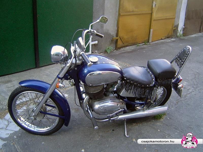 jawa-559-starsky-2