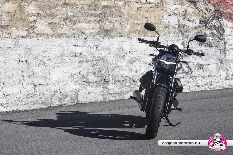 moto-guzzi-V9-Bobber-Centenario-2021-9