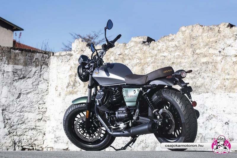 moto-guzzi-V9-Bobber-Centenario-2021-26