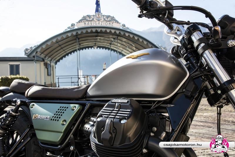 moto-guzzi-V9-Bobber-Centenario-2021-35