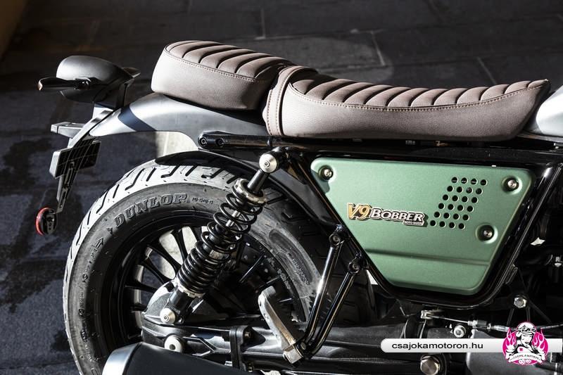 moto-guzzi-V9-Bobber-Centenario-2021-40
