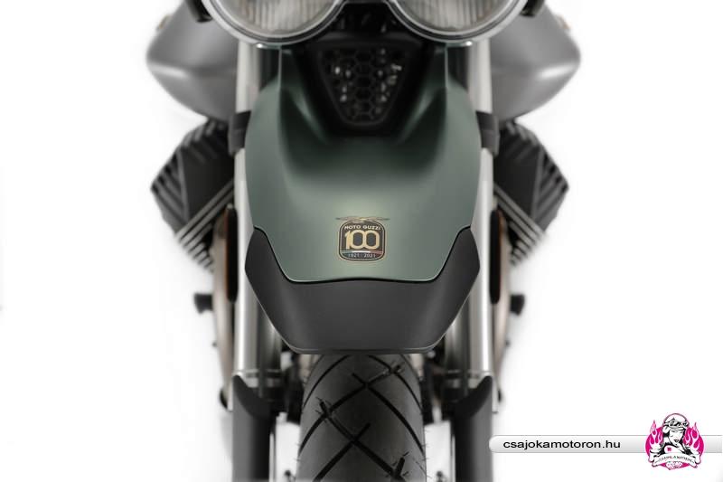 moto-guzzi--V85-TT-Centenario-2021-6